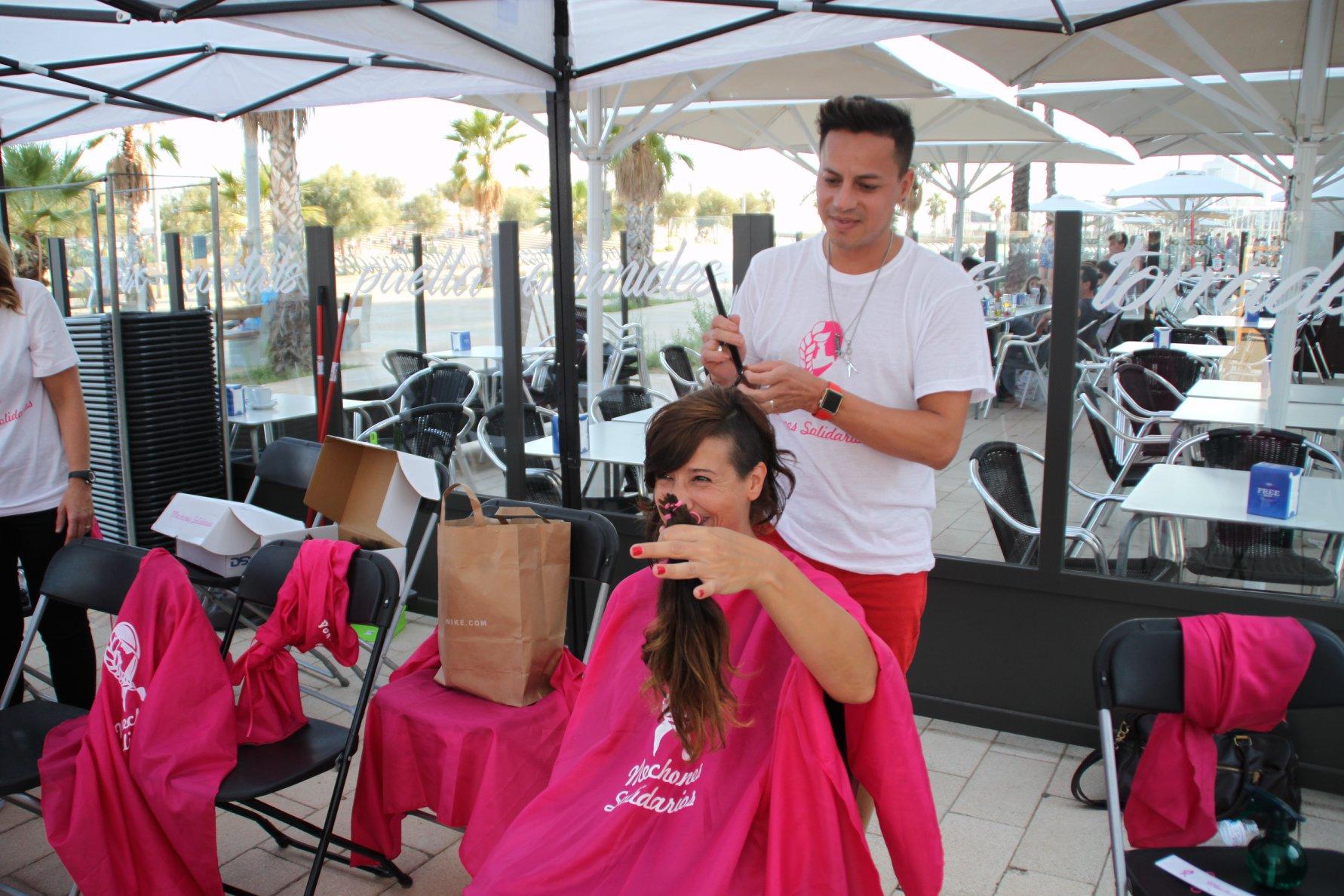 dubal-cosmetics-mechones-solidarios-donacion-pelo-para-pelucas-enfermos-cancer (1)